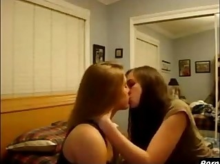 Girls Kissing Girls of Sexy redhead Teen Lesbians on Webcam Nakedgirls.co