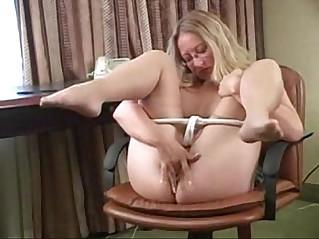 Karinne is very hot in her pantyhose