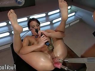 Pussy toying lesbian babes use dildo machine